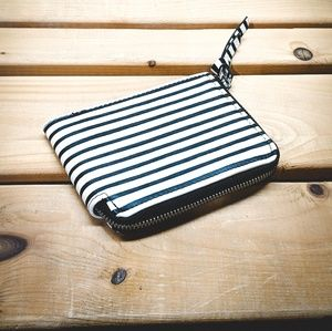 Black & white striped wallet Low profile with zip